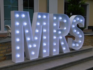 Leuchtbuchstaben Hochzeit Mr & Mrs