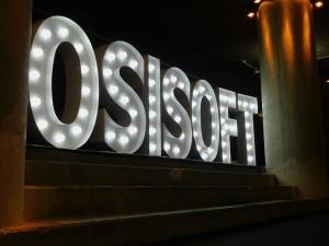 Leuchtbuchstaben Osisoft U3 Tunnel Potsdamer Platz
