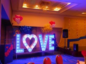 Leuchtbuchstaben LOVE Hotel Mercure