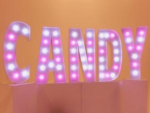 Leuchtbuchstaben Candy in pink für Essence