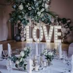 love-leuchtbuchstaben