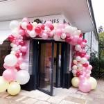 Ballongirlande zur Ladeneröffnung
